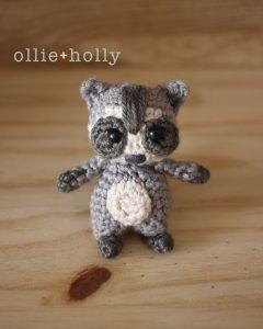 Free Toronto Raccoon Amigurumi Crochet Pattern