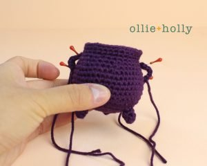 Free Halloween Witch's Cauldron Ornament Amigurumi Crochet Pattern Step 10