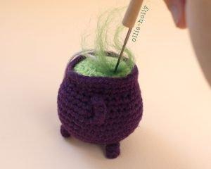 Free Halloween Witch's Cauldron Ornament Amigurumi Crochet Pattern Step 11