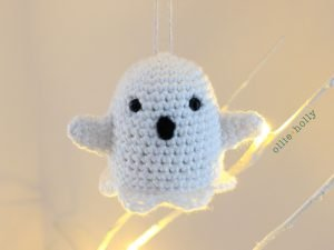 Free Halloween Ghost Amigurumi Ornament Crochet Pattern Complete
