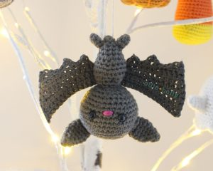 Soft & Dreamy Bat amigurumi pattern | Amigurumi pattern, Halloween ... | 240x300